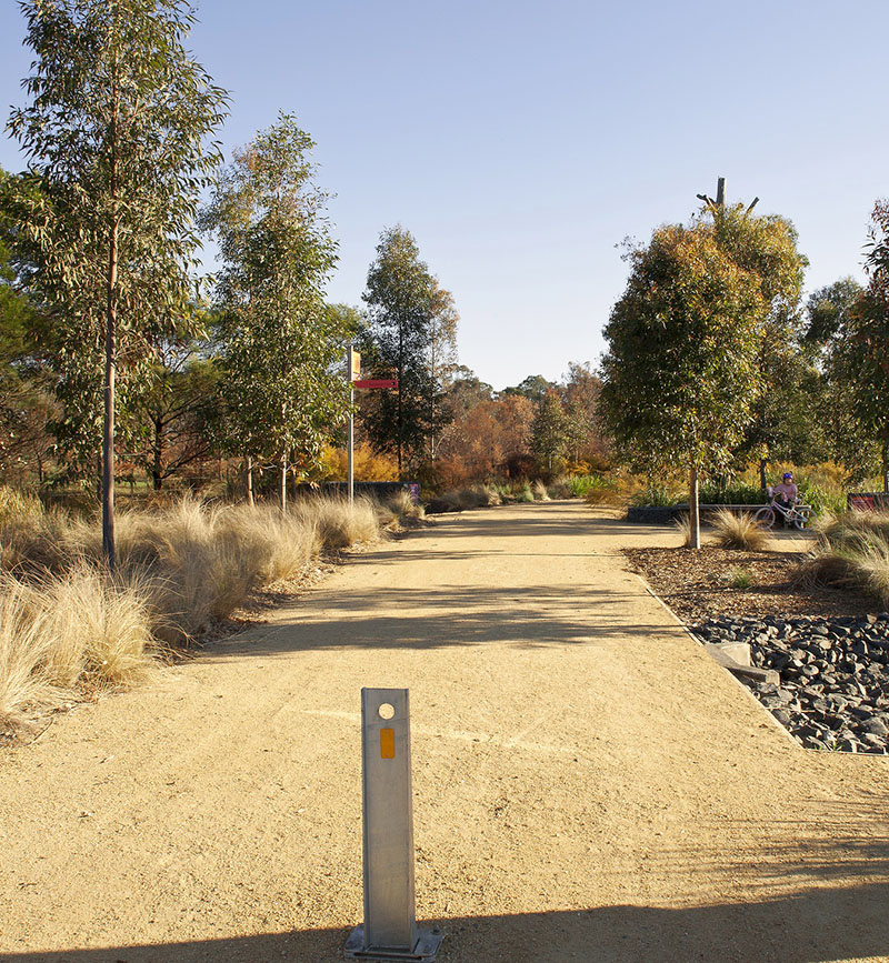 Photograph of a dirt track in Bungarribee Park